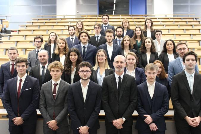 Tous les étudiants en 1e et 2e année master en droit bancaire et financier de l'Université du Mans